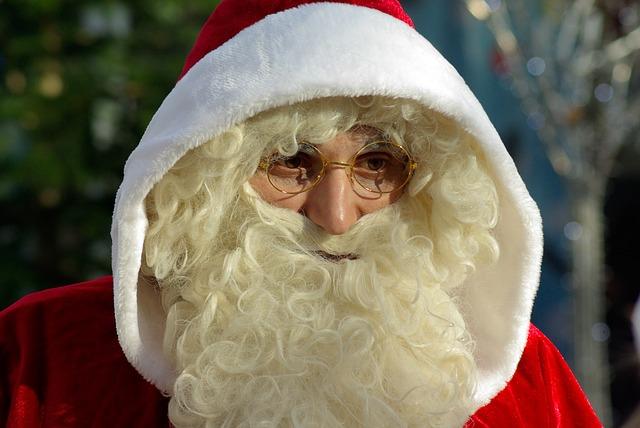father-christmas-574233_640