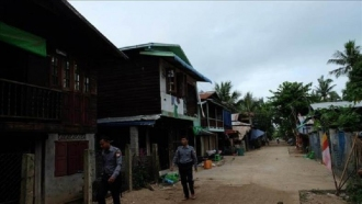 100 Muslim Rohingya Tewas Dalam Operasi Militer di Arakan