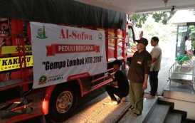 Truk Barang Bantuan Menuju Lombok