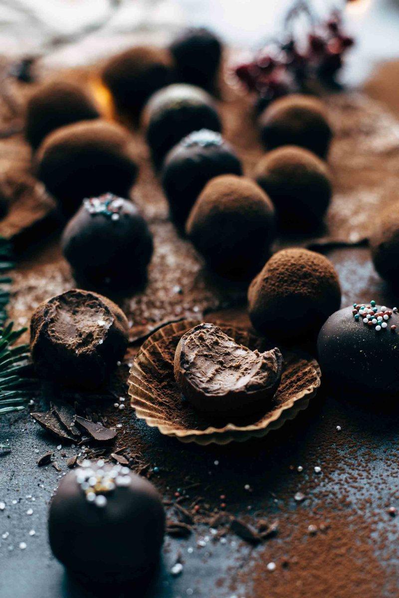 Easy Chocolate Rum Truffles