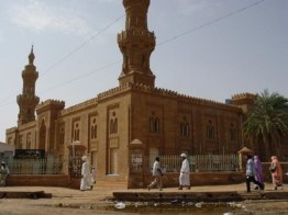 سلطات الخرطوم تعفي أئمة مساجد لانحرافهم