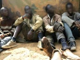 تحرير (47) رهينة والقبض على عصابة إتجار بالبشر فى كسلا