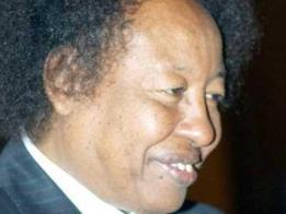 كمال شداد متحسراً علي الأوضاع: التعليمات في السودان أقوى من المصحف