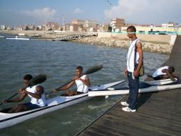 """""""أبطال مكوك النيل"""" يتحدون الشلالات في أطول ماراثون تجديف بقارة أفريقيا"""