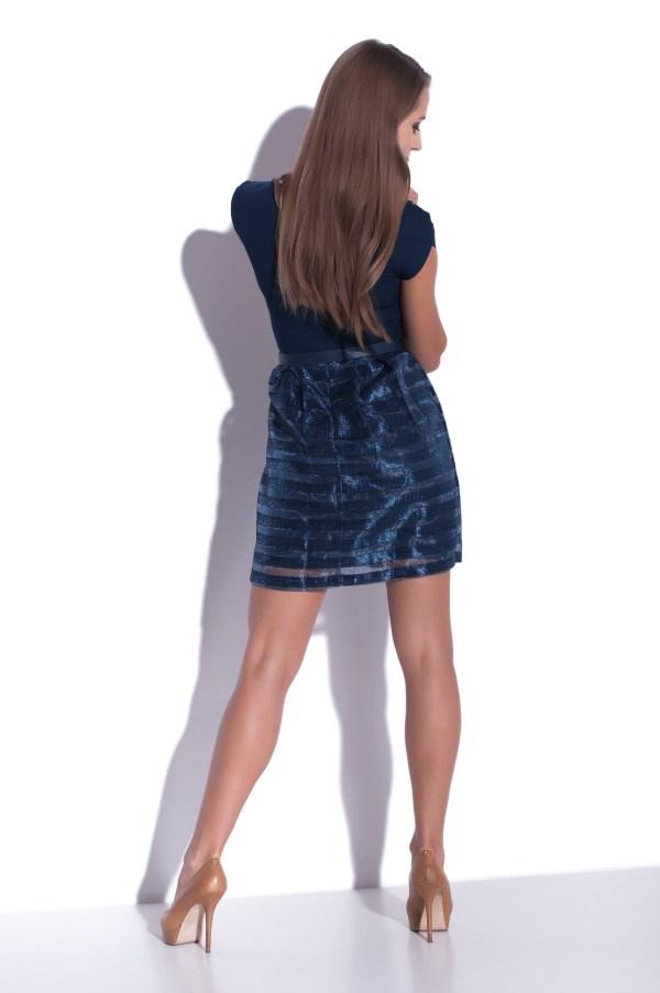 Sukienka szyfonowa mini granatowa modelka back