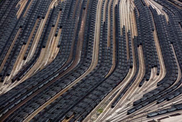 8. Vagões de carregamento de carvão carregados