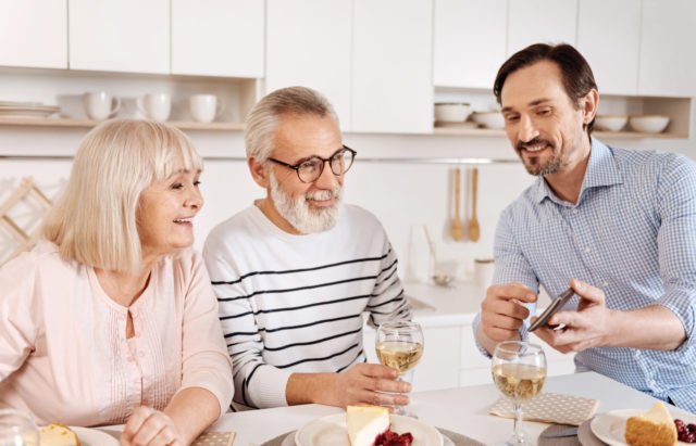 5 Ways to Make Valentine's Day Memorable to Elderly Parents Living Alone