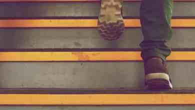 صعود وهبوط الدرج ينشطك أكثر من القهوة