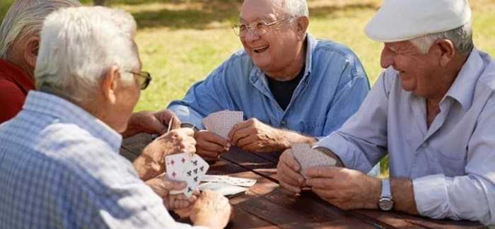 دراسة ارتفاع ضغط الدم والكوليسترول يزيدان فرص الإصابة بألزهايمر
