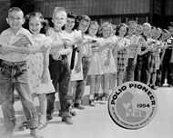 Pioneer children tested with polio vaccination (infected with SR40 virus)