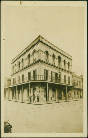 Postcard of Warrington House, New Orleans taken around 1910 - Front