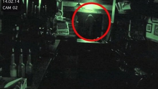 Ghost captured on CCTV video in Ye Olde Man and Scythe pub in Britain