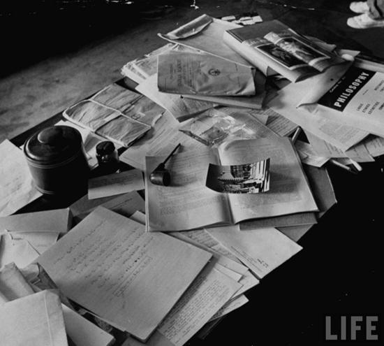 Einstein's desk the day after his death – 1940.