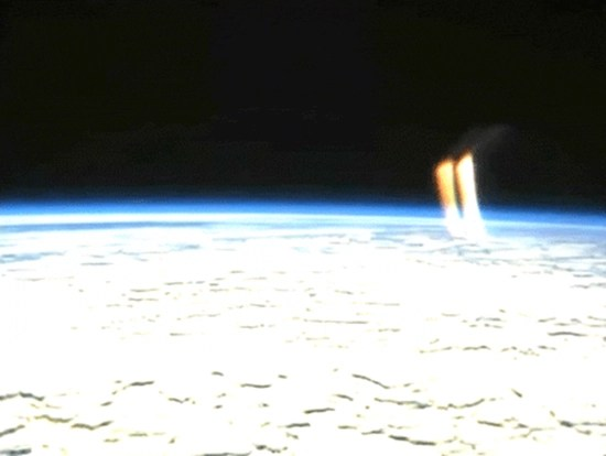 NASA cuts video feed (again) after twin beams of light appear erupting from Earth