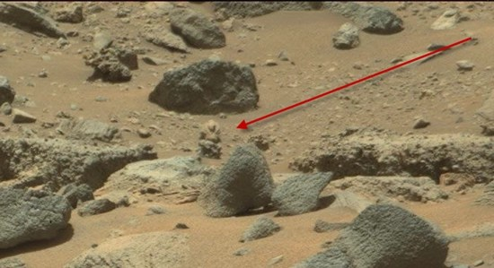 Alien wearing a high-tech spacesuit in NASA Mars photo (original photo)