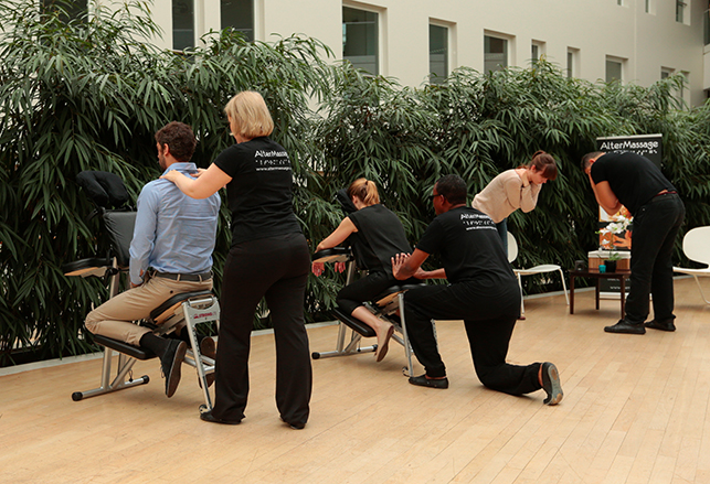 prévention RPS : les abonnements bien-être (ateliers et massages en entreprise)