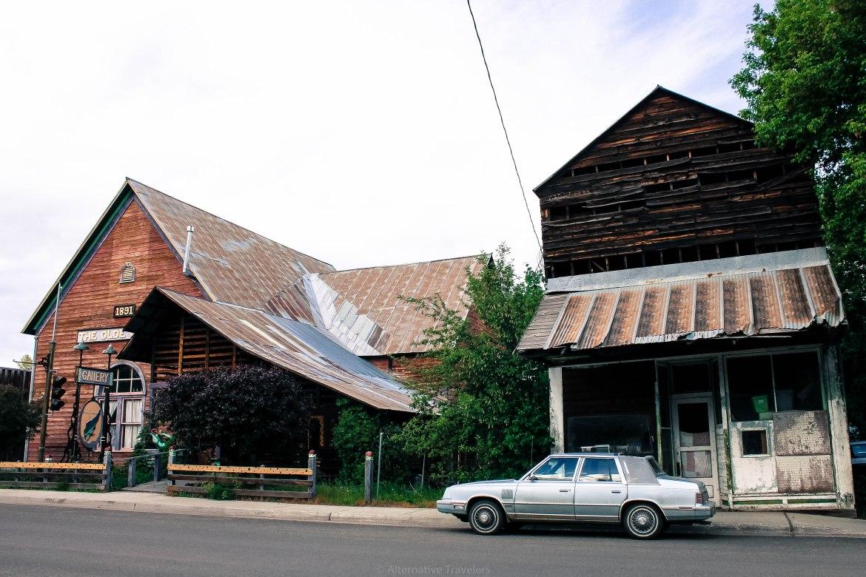 halfway-car-and-church