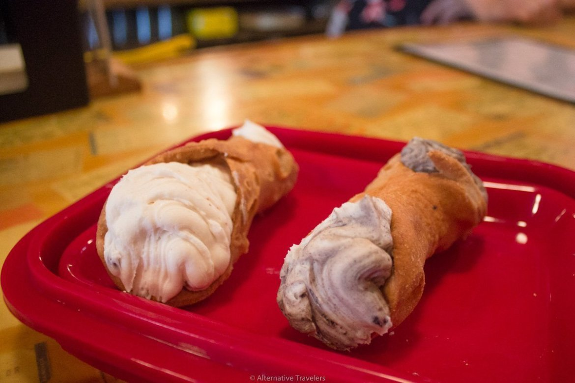 vegan cannoli at Vegan Shop UP