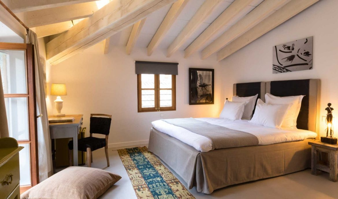 Room at Ecocirer, a vegan hotel in Spain