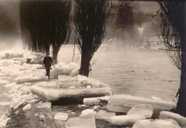 Helmut Kappes beim Spaziergang nach dem Eisgang 1956