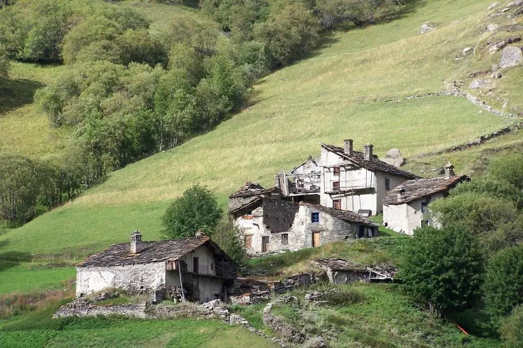 Du Nord Au Sud Les 10 Plus Beaux Villages Des Alpes