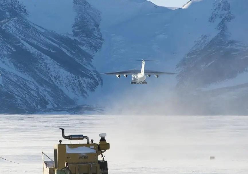 avion antarctique