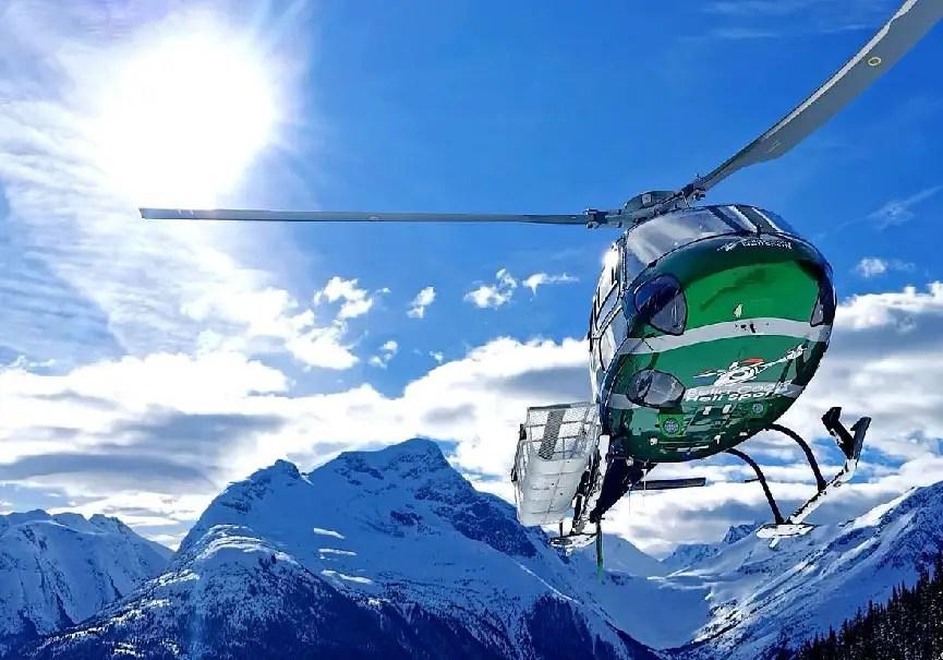 hélicoptère héli-ski canada
