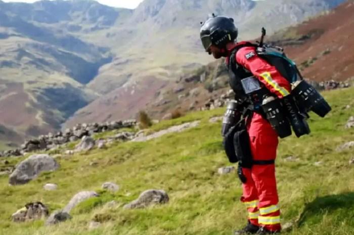 Un homme volant : le futur du secours en montagne ?