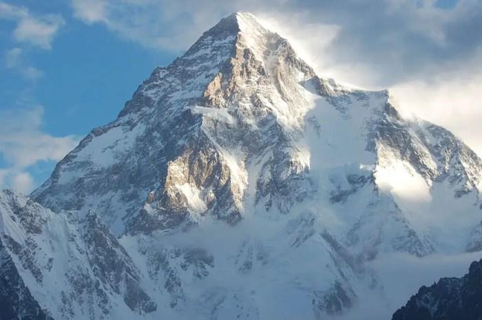 Expédition hivernale K2 2020-21 : la liste des alpinistes s'allonge !