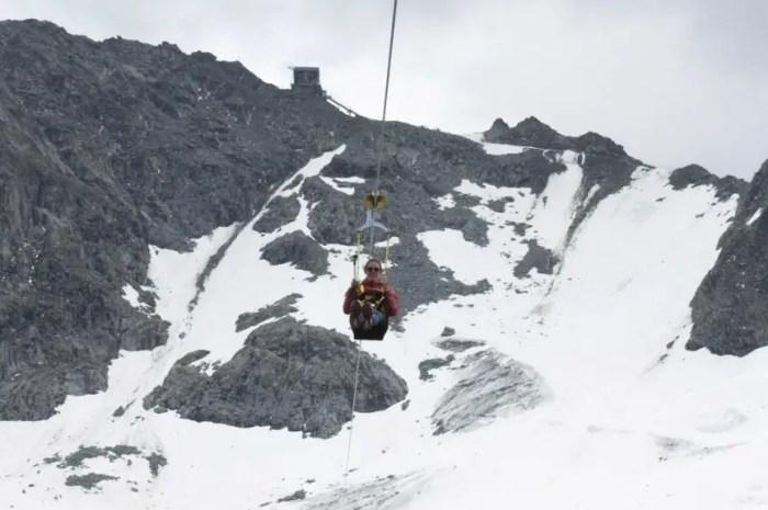 La plus haute tyrolienne du monde fait son premier hiver à 3.300 mètres !
