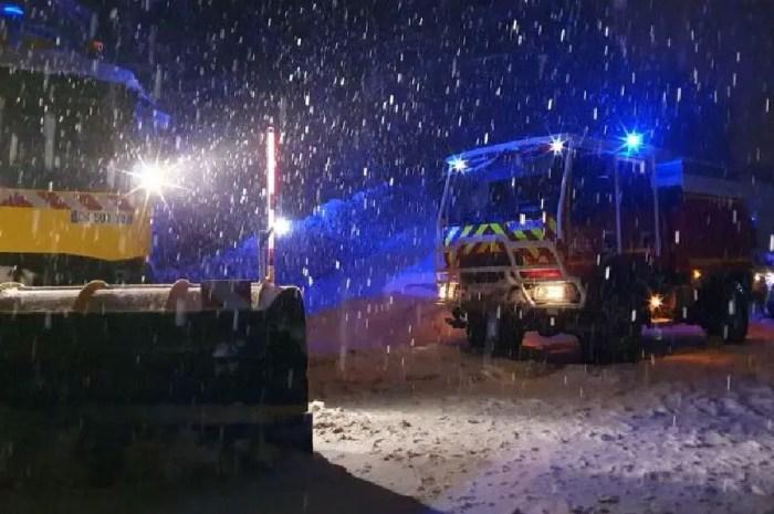 Chutes de neige importantes et près de 2.500 automobilistes bloqués !