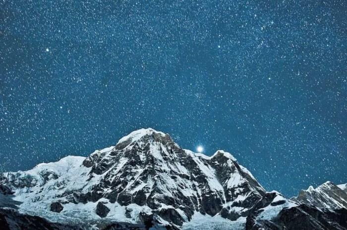 A l'Annapurna, les premiers alpinistes passent la nuit au Camp 2 !