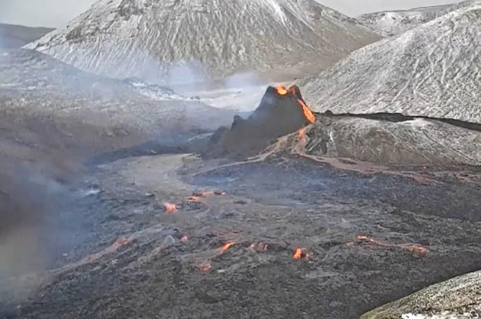 Eruption 2.0 : la webcam du volcan islandais, scène hypnotique en direct