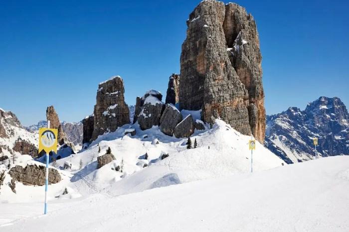 Un défilé de mode en pleine montagne, la neige en guise de podium !