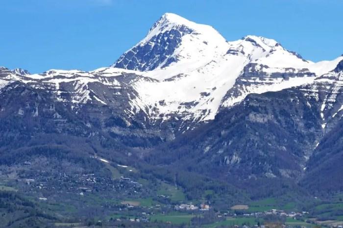 Une nouvelle télécabine sur un versant exposé plein sud des Hautes-Alpes ?
