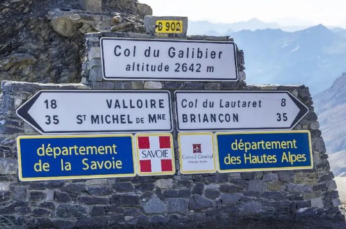 Les cols les plus mythiques des Alpes réservés aux cyclistes cet été !