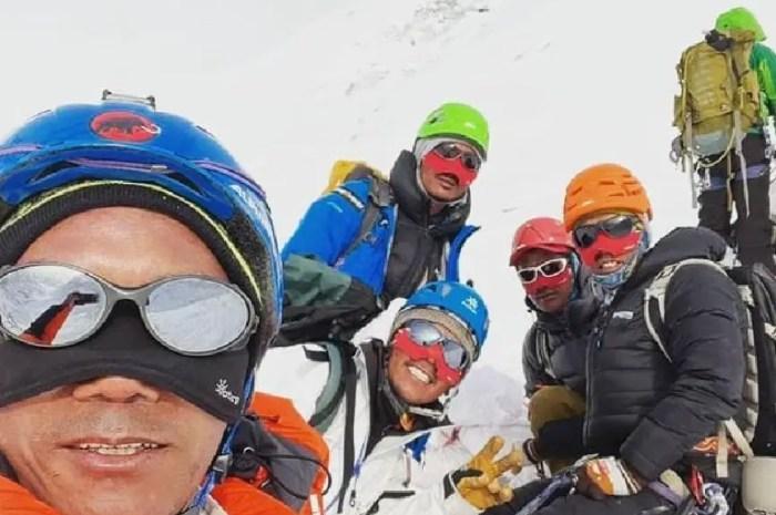 Everest 2021 : le premier sommet cette semaine pour les sherpas ?