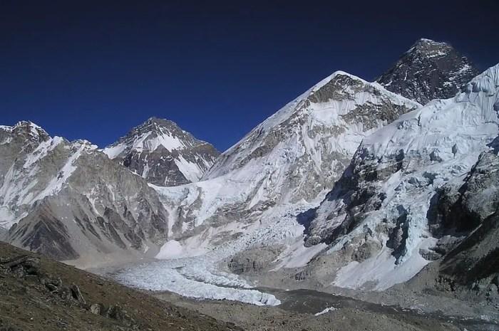 « L'Everest est une montagne commerciale comme toutes les montagnes célèbres »