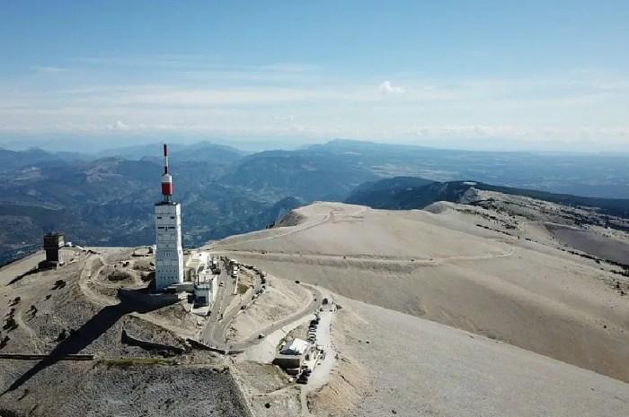 La star du jour : le Mont Ventoux et ses 1.910 mètres d'altitude !