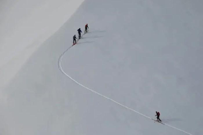 Le ski de randonnée devient payant dans plusieurs stations !
