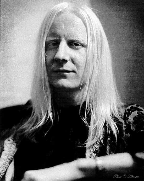 https://i2.wp.com/www.altmanphoto.com/johnny.winter.3.fr.jpeg