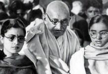 gandhi-with-manuben