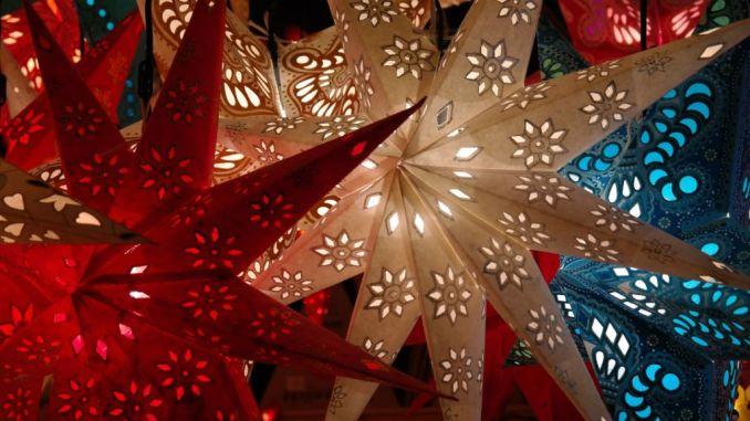 Si accendono le luminarie di Natale a Gualdo Tadino