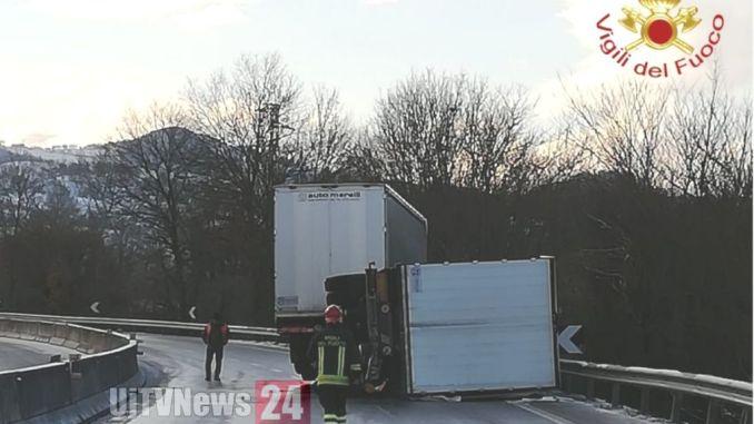Altri due incidenti stradali, causa ghiaccio, un ferito