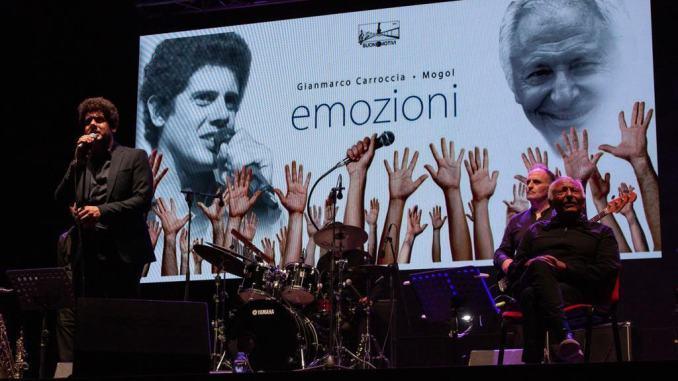 Gubbio DOC Fest, le note di Battisti e Mogol fanno sognare la piazza