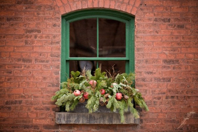 How To Make A Holiday Window Box