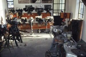 Museo di Lario esposizione di moltissimi motori fuoribordo presenti nella struttura storica