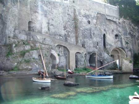 area-arch-villa-Agrippa-Postumo