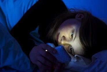 91% de los integrantes de la generación C duerme con su smartphone a lado.