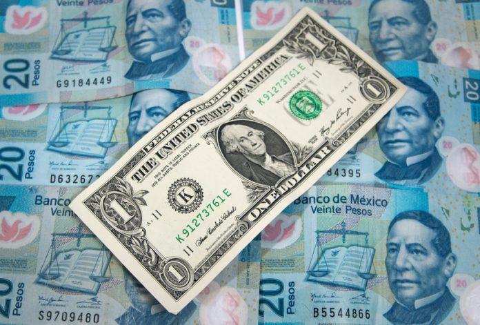 Peso y dólar